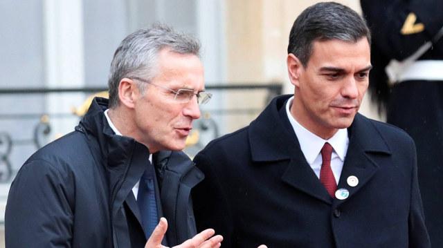 El presidente del Gobierno, Pedro Sánchez, junto al secretario general de la OTAN, Jens Stoltenberg