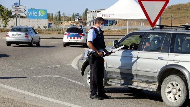 полицейский контроль на дорогах / Control de Mossos.