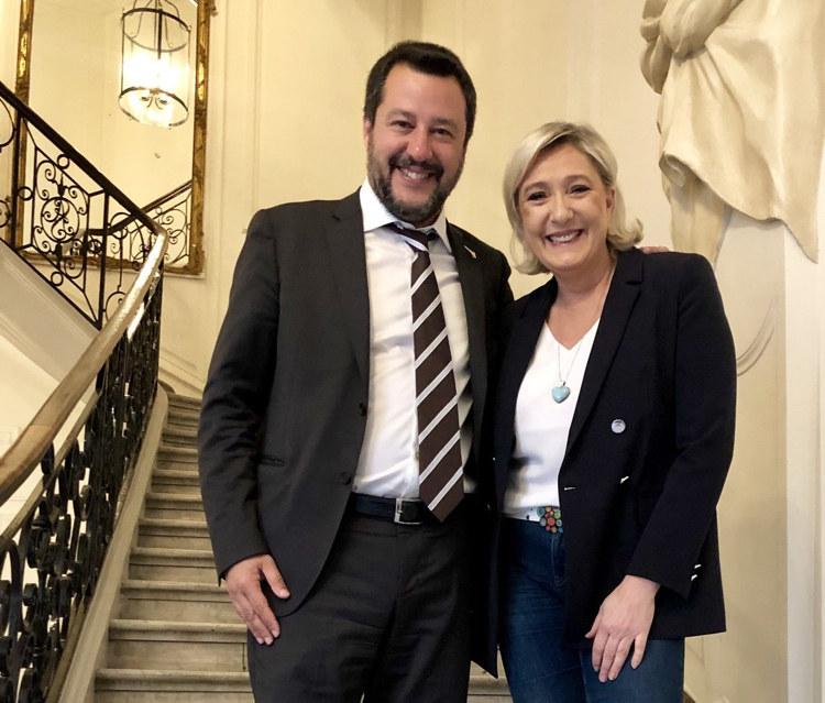 """Марин Ле Пен написала в своем Twitter: """"Мы в отличной форме и готовы побеждать на выборах 26 мая вместе с Маттео Сальвини""""."""